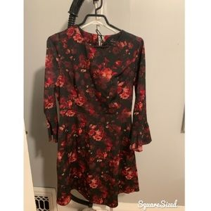 Dresses & Skirts - RW&co Flared arm floral dress